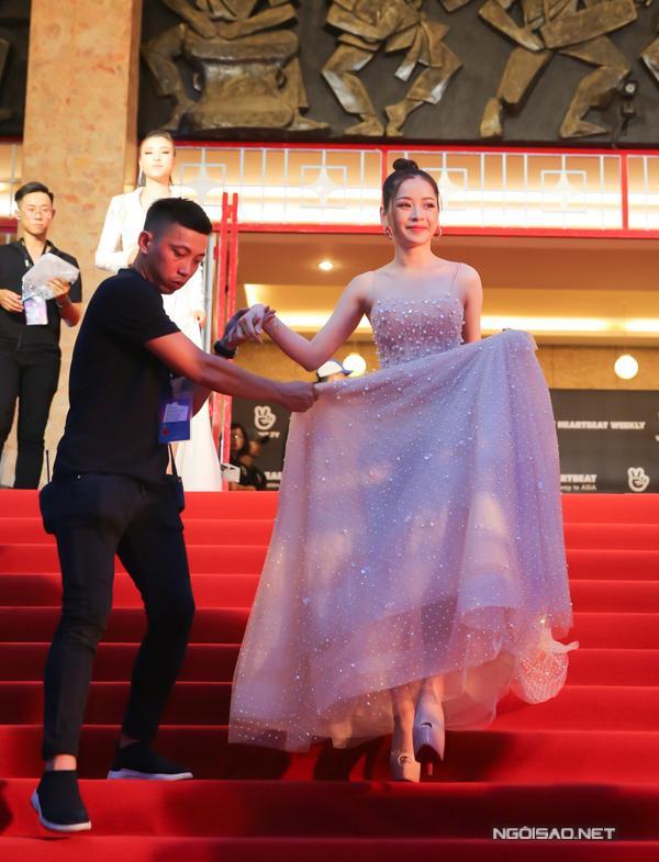 Mỹ nhân Việt nhờ cậy giày siêu cao để không lép vế-1