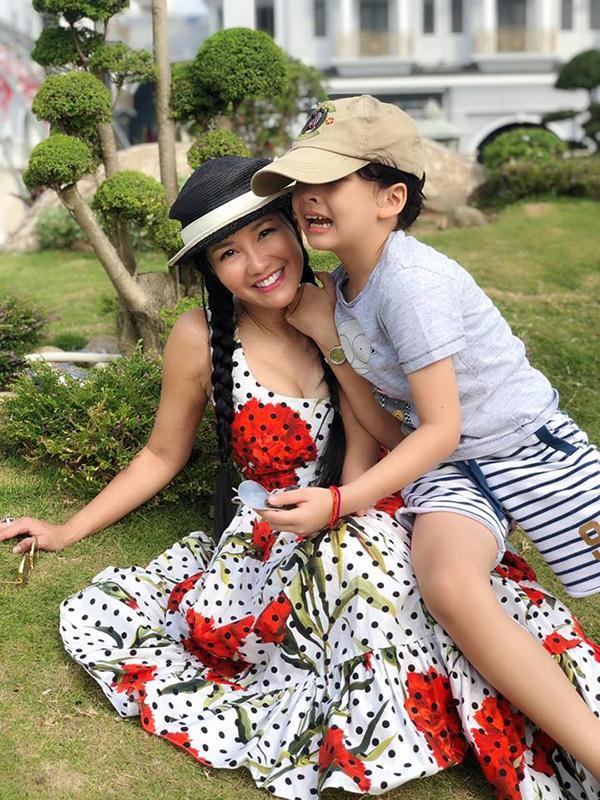 Tết đầu tiên làm mẹ đơn thân của ca sĩ Hồng Nhung-8