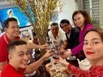 Hồ Ngọc Hà xúc động khi được Kim Lý tặng hoa Valentine giữa không gian chim kêu vượn hú-11