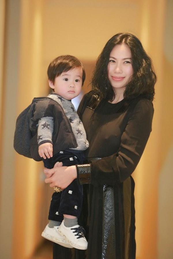 Bất ngờ với những chia sẻ của Tùng Dương về con gái riêng 15 tuổi của vợ-2