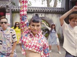 MV Tết của Trương Thảo Nhi được chia sẻ rần rần vì lời hát cực bắt trend