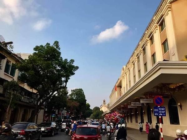 Chiều mùng 1 Tết: Đường phố Hà Nội đông nghẹt ô tô, xe máy-8