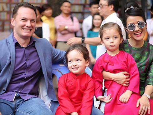 Dù tan đàn xẻ nghé nhưng diva Hồng Nhung vẫn mời chồng cũ về nhà ăn Tết cùng hai con-1