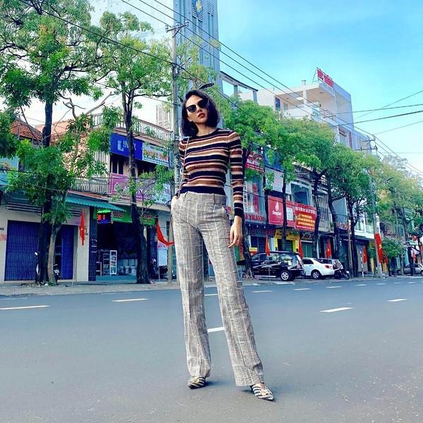 Sao Việt xúng xính diện áo dài ngày Tết: Angela Phương Trinh chơi lớn khi kết hợp với tông Lào giản dị-9
