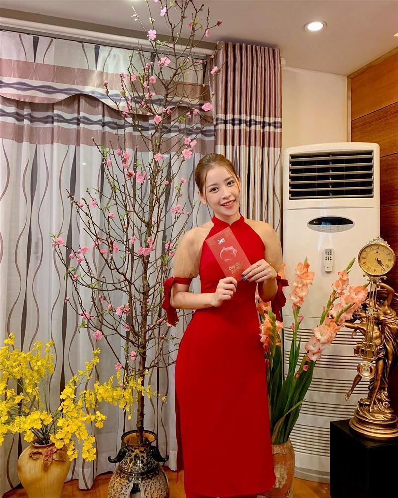 Sao Việt xúng xính diện áo dài ngày Tết: Angela Phương Trinh chơi lớn khi kết hợp với tông Lào giản dị-7