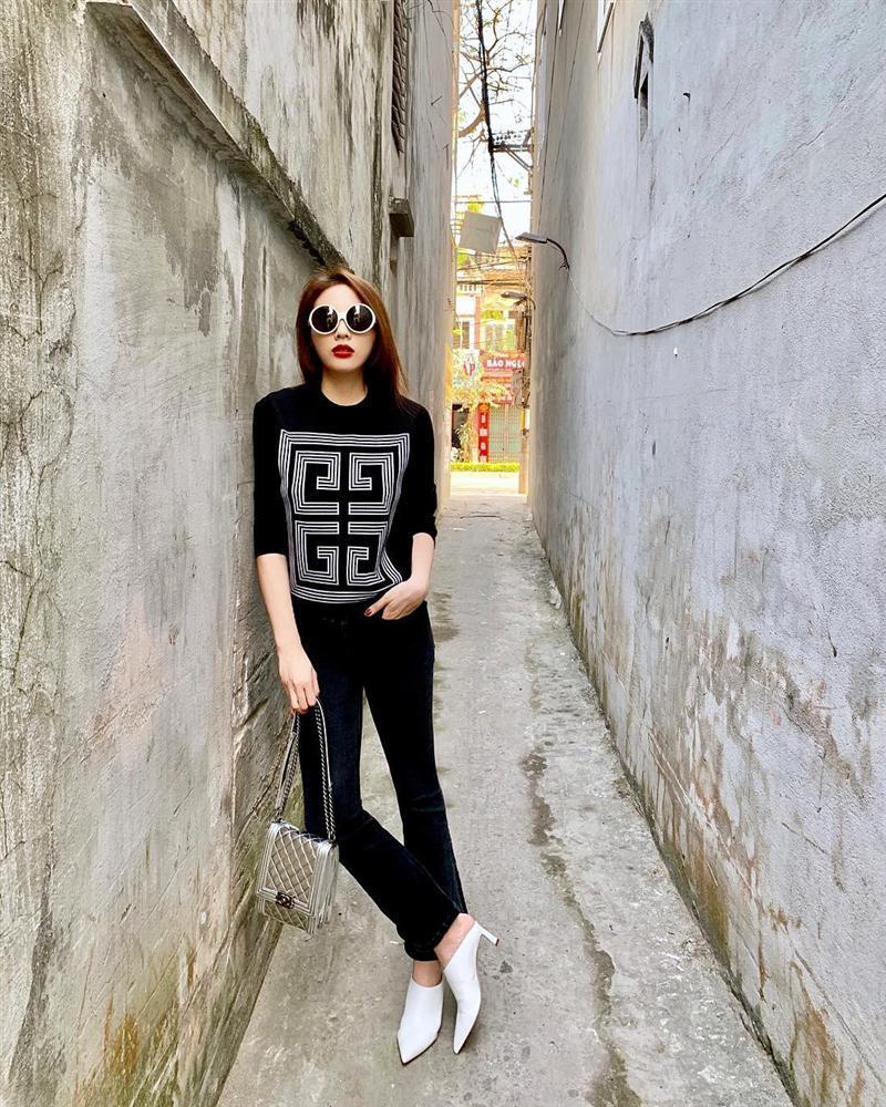 Sao Việt xúng xính diện áo dài ngày Tết: Angela Phương Trinh chơi lớn khi kết hợp với tông Lào giản dị-8