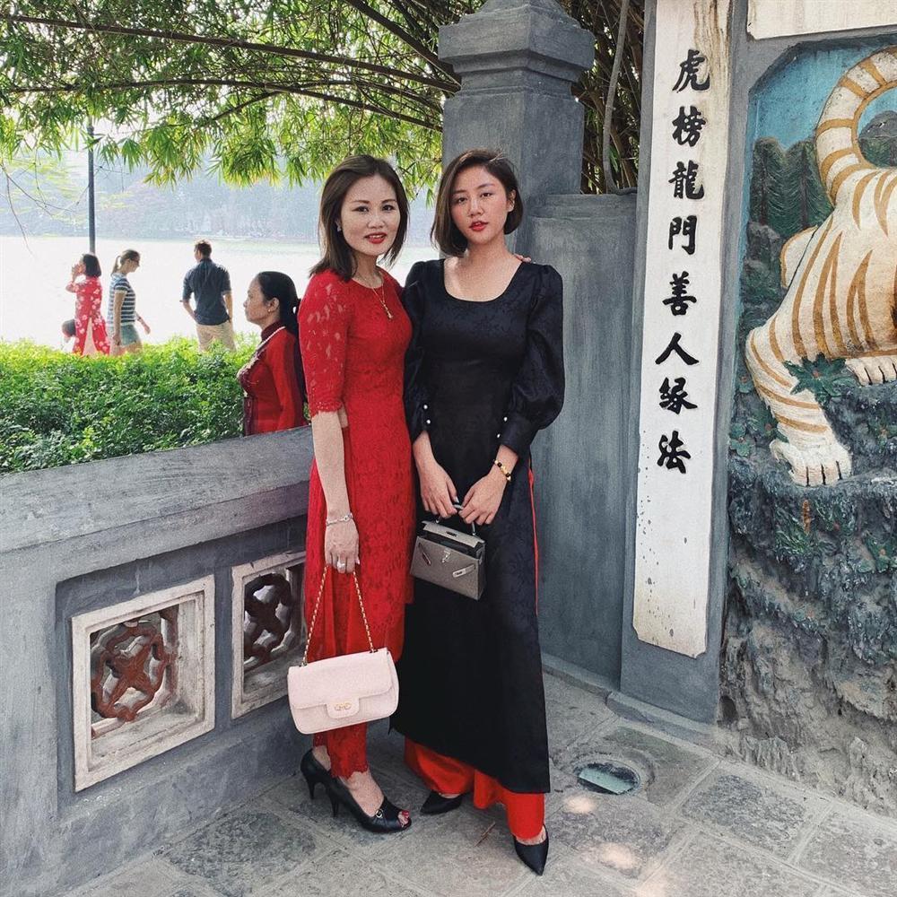 Sao Việt xúng xính diện áo dài ngày Tết: Angela Phương Trinh chơi lớn khi kết hợp với tông Lào giản dị-4