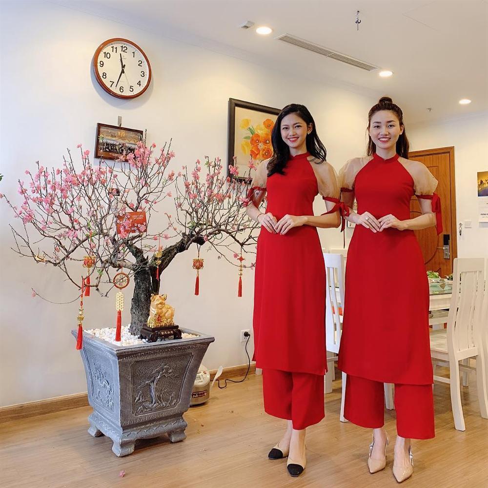 Cặp chị em Á hậu Ngô Trà My - Ngô Thanh Thanh Tú giống nhau như hai giọt nước khi diện áo dài đôi-1