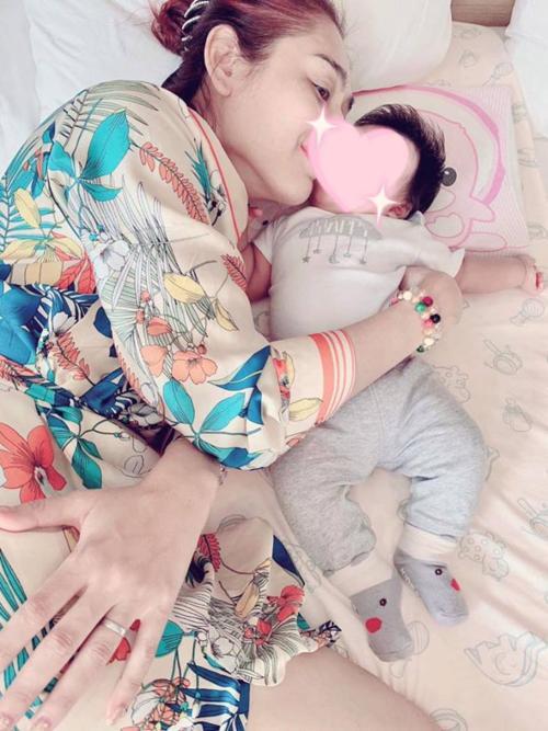 Livestream cao hứng, Lâm Khánh Chi công khai luôn con trai ruột sinh từ tinh trùng của mình và trứng của chị dâu-5