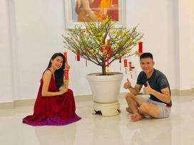 Biệt thự ngập sắc hoa đón Tết của vợ chồng Thủy Tiên - Công Vinh