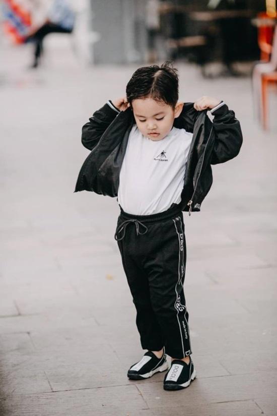 Mới hơn 3 tuổi, con trai Khánh Thi đã có bộ sưu tập đồ hiệu cả 100 triệu đồng-6