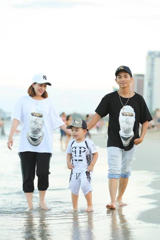 Mới hơn 3 tuổi, con trai Khánh Thi đã có bộ sưu tập đồ hiệu cả 100 triệu đồng-9