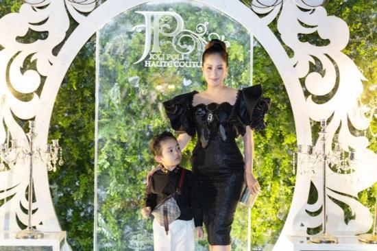 Mới hơn 3 tuổi, con trai Khánh Thi đã có bộ sưu tập đồ hiệu cả 100 triệu đồng-11