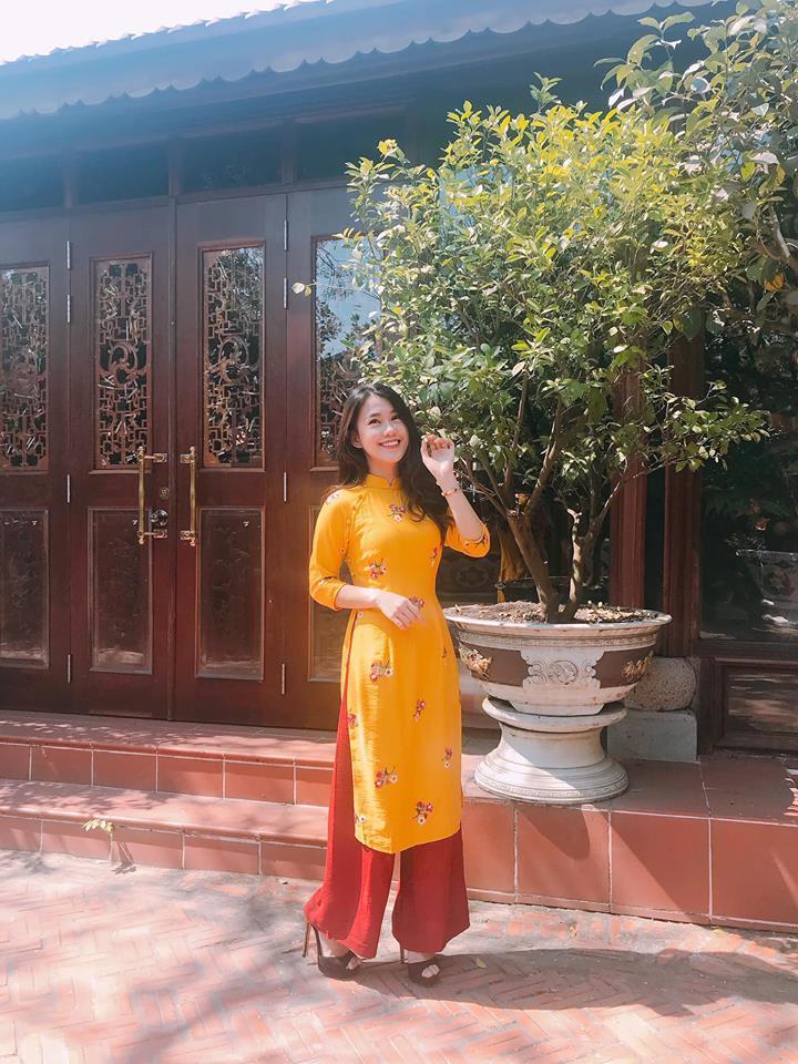 Ăn mặc hớ hênh, bạn gái Quang Hải bị nhắc nhở đúng mùng 2 Tết-11