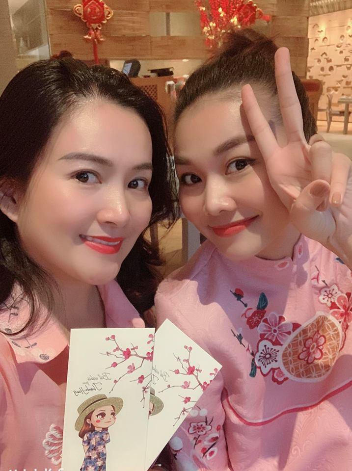 Hồ Ngọc Hà và Kim Lý tình bể bình khi hẹn hò đầu xuân cùng bạn bè thân thiết-5