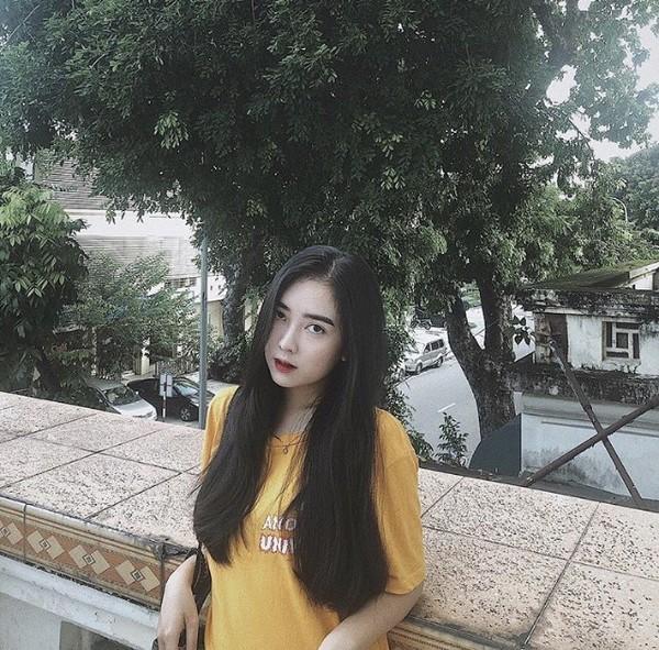 Đức Chinh cười tươi âu yếm, Hà Trang bẽn lẽn trong ngày ra mắt gia đình bạn trai nhưng phong cách của cô nàng mới là điều gây chú ý-2