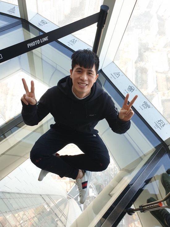Đội tuyển Việt Nam du xuân: Hồng Duy nổi bật với giày 20 triệu, Công Phượng giản dị-2