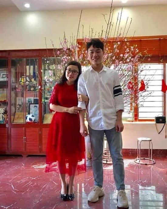 Đội tuyển Việt Nam du xuân: Hồng Duy nổi bật với giày 20 triệu, Công Phượng giản dị-6