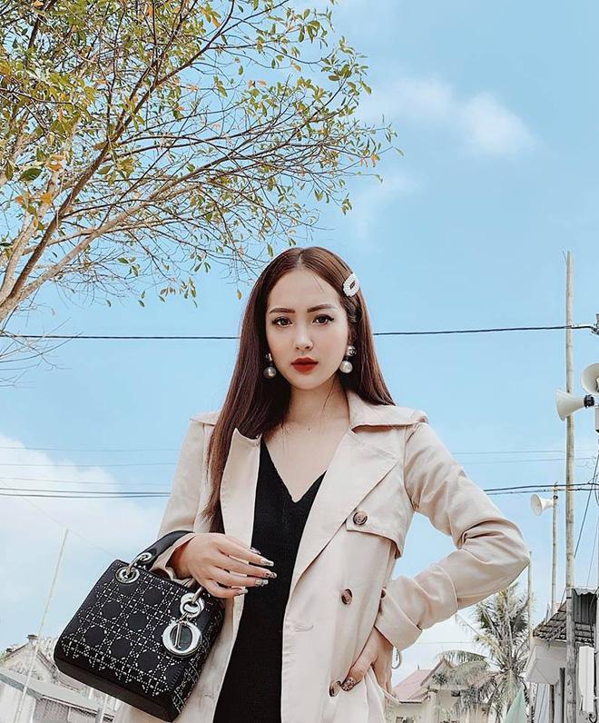 Ca sĩ Hương Tràm lại náo loạn mạng xã hội khi khoe dàn em gái đẹp như hot girl-3