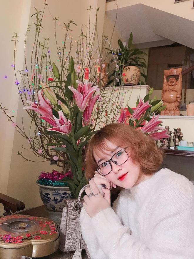 Ca sĩ Hương Tràm lại náo loạn mạng xã hội khi khoe dàn em gái đẹp như hot girl-5
