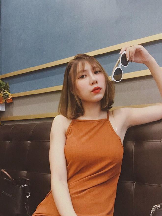 Ca sĩ Hương Tràm lại náo loạn mạng xã hội khi khoe dàn em gái đẹp như hot girl-7