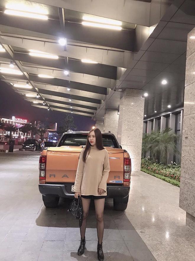 Ca sĩ Hương Tràm lại náo loạn mạng xã hội khi khoe dàn em gái đẹp như hot girl-8