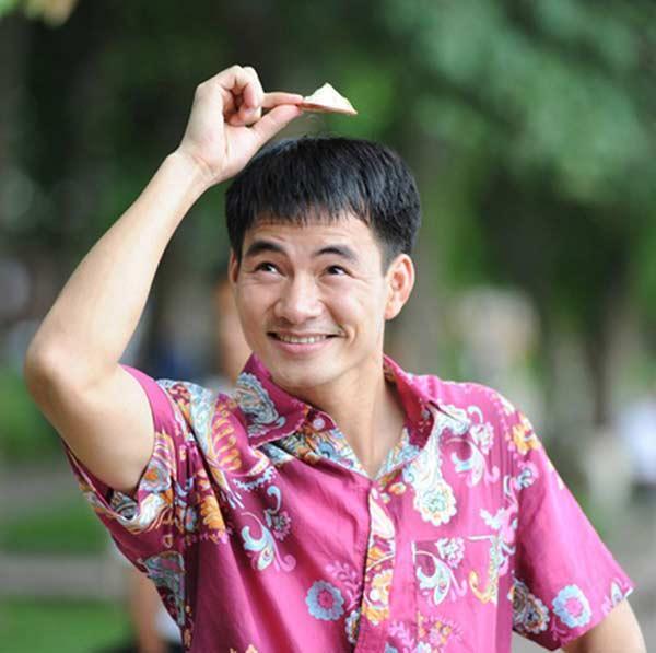 Nghệ sĩ Xuân Bắc nghiện áo chim cò và không sợ đàm tiếu về giới tính-3