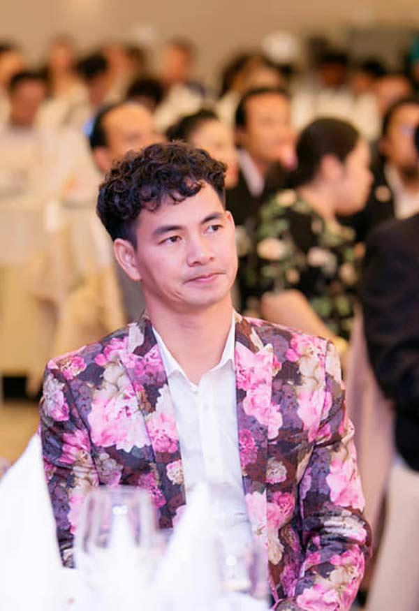 Nghệ sĩ Xuân Bắc nghiện áo chim cò và không sợ đàm tiếu về giới tính-7