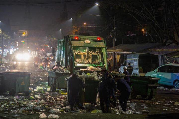 Khủng khiếp: Rác ngập tràn các con đường ở Đà Lạt sau 5 ngày Tết?-5