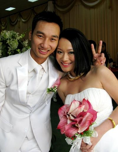 Sau thời gian lẻ bóng nuôi con, vợ cũ Thành Trung có bạn trai Tây và đang sống trong những ngày tháng ngôn tình-1