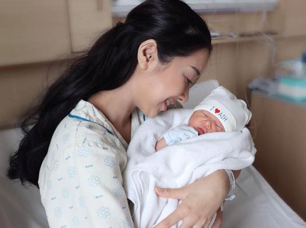 Sinh con hơn 1 tháng, em gái Nhã Phương rùng mình nhớ lại khoảnh khắc lên bàn đẻ, lên tiếng chuyện cưới chạy bầu-5