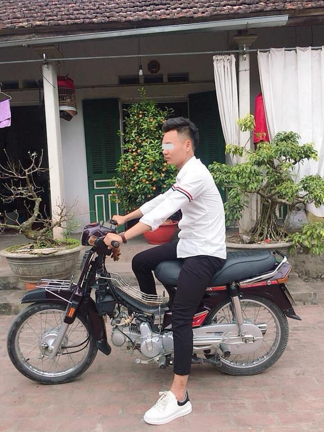Tết này đi đâu cũng thấy chiếc áo sơ mi quốc dân của giới trẻ Việt-3