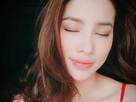 Hoa hậu Phạm Hương mặc áo hai dây sexy giữa nghi án bầu bí, sinh con