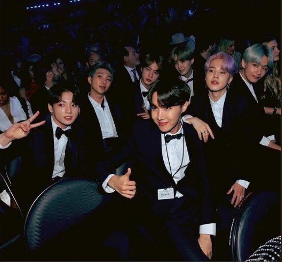 BTS trở thành nghệ sĩ Kpop đầu tiên xuất hiện trên sân khấu Grammy: Chúng tôi sẽ trở lại!-1