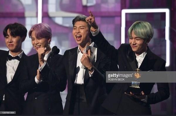 BTS trở thành nghệ sĩ Kpop đầu tiên xuất hiện trên sân khấu Grammy: Chúng tôi sẽ trở lại!-2