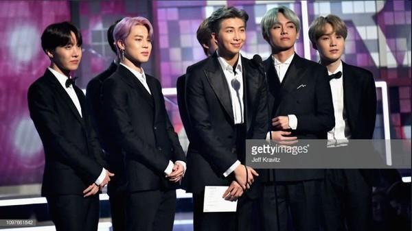 BTS trở thành nghệ sĩ Kpop đầu tiên xuất hiện trên sân khấu Grammy: Chúng tôi sẽ trở lại!-5