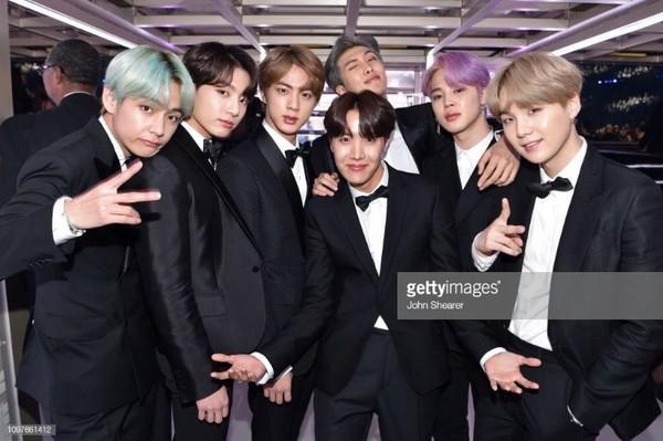 BTS trở thành nghệ sĩ Kpop đầu tiên xuất hiện trên sân khấu Grammy: Chúng tôi sẽ trở lại!-6