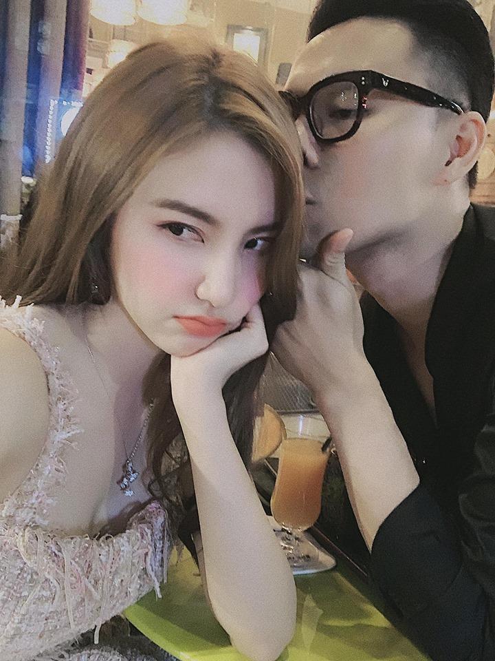 Đăng ảnh sống ảo cực bảnh bao, Quang Hải bị soi dùng lại caption của Hoa hậu Đặng Thu Thảo-7