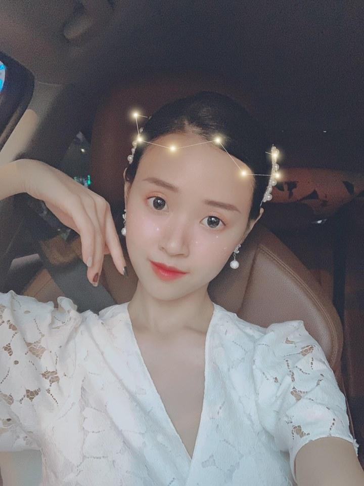 Đăng ảnh sống ảo cực bảnh bao, Quang Hải bị soi dùng lại caption của Hoa hậu Đặng Thu Thảo-8