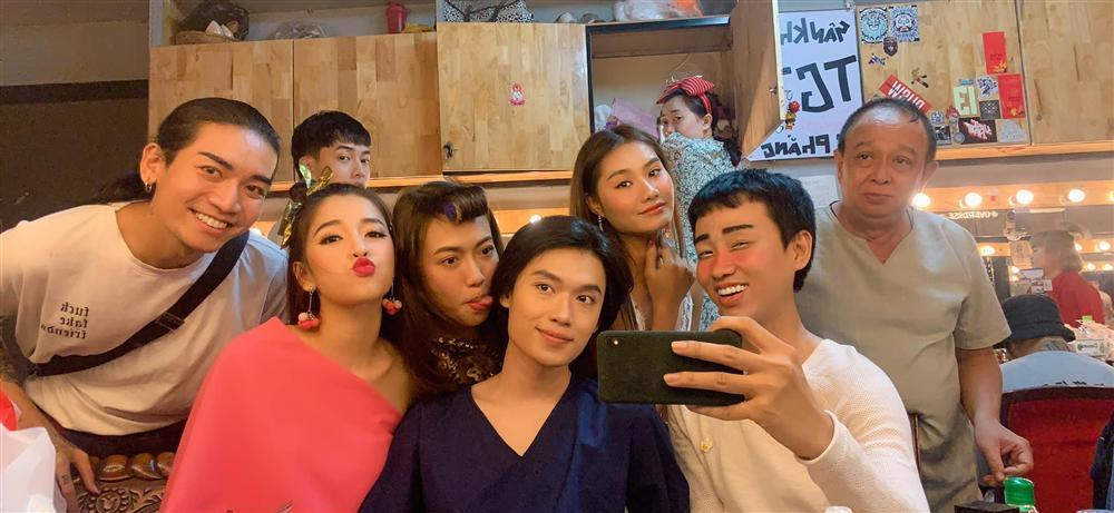 Đằng sau một bức ảnh selfie đơn giản của BB Trần, Hải Triều, Quang Trung, Diệu Nhi là sự thật đau lòng-1