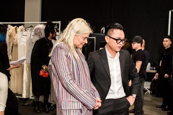 Người mẫu bạch tạng từng tham gia Victorias Secret Show sẽ diễn cho NTK Công Trí tại New York Fashion Week-9