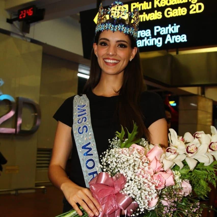 Camera dởm đến mấy cũng không thể dìm nổi nhan sắc tuyệt trần của đương kim Hoa hậu Thế giới-4