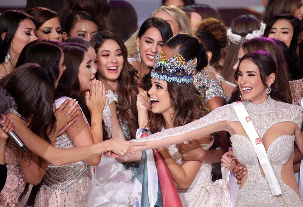 Camera dởm đến mấy cũng không thể dìm nổi nhan sắc tuyệt trần của đương kim Hoa hậu Thế giới-5