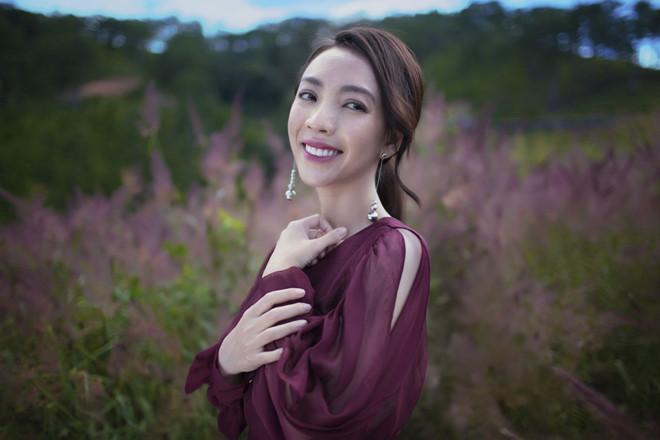 Thu Trang kể đi diễn hài, cha bật khóc như trong phim Châu Tinh Trì-1