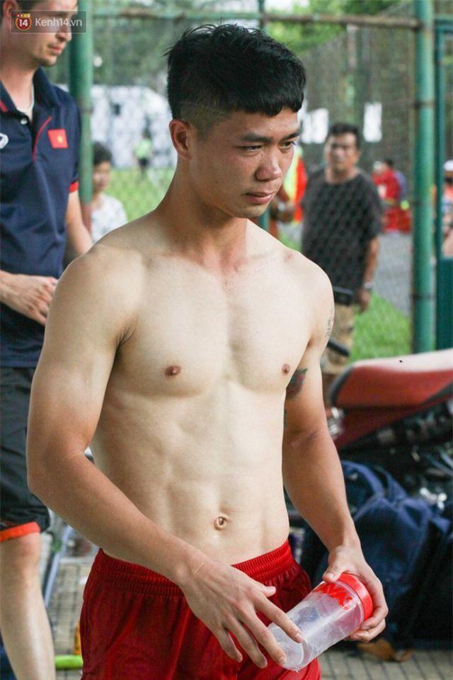 Đọ body 6 múi cầu thủ: Văn Lâm và Bùi Tiến Dũng bất phân thắng bại, Đình Trọng xếp cuối bảng-8