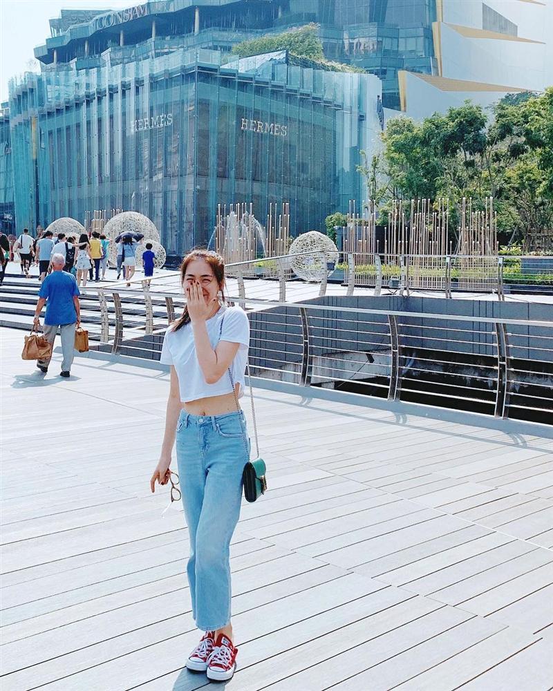 Hòa Minzy che mặt khi gặp người Việt tại nước ngoài vì sợ xấu quá khi không make up-1