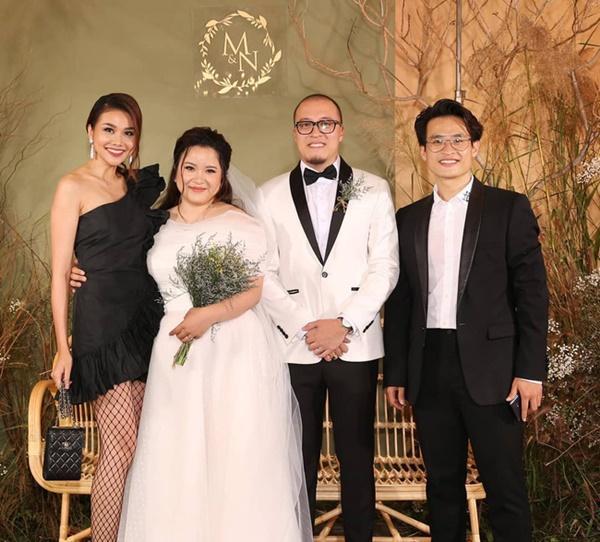 Thấy Thanh Hằng thân thiết với em gái Hà Anh Tuấn, fan lại hết lòng mong siêu mẫu và nam ca sĩ về chung một nhà-6