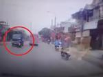 Clip: Vượt ẩu, đôi nam nữ lao thẳng vào đầu xe tải
