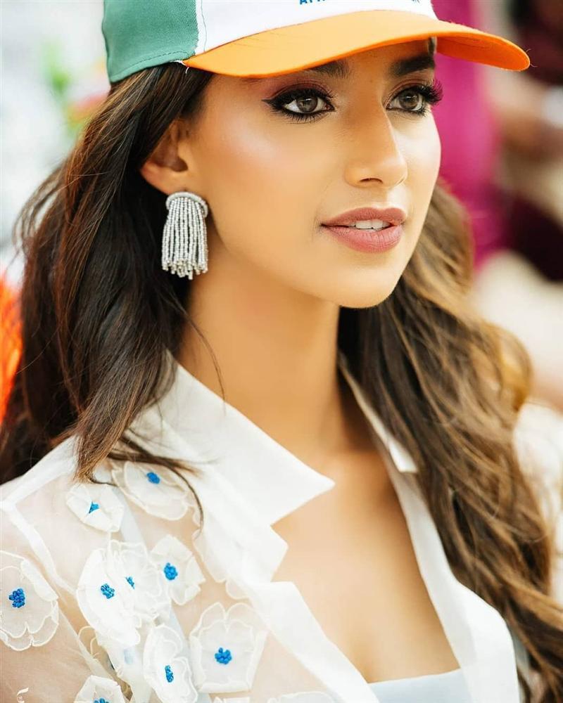 Vượt Miss World lẫn Miss Universe, cô gái Ấn Độ đẹp như tiên lên ngôi Hoa hậu của các hoa hậu 2018-11
