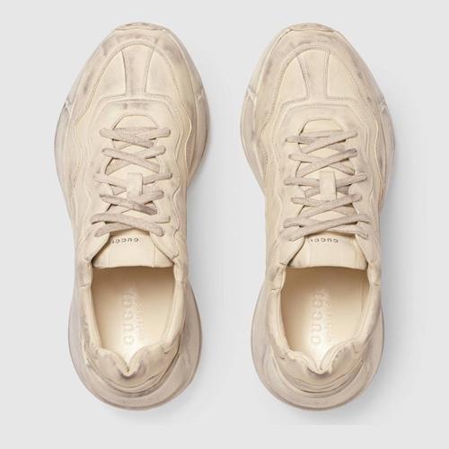 Giày bẩn, giày rách giá cắt cổ tưởng đùa mà thật-3